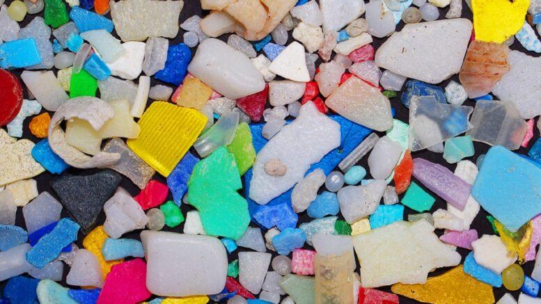 Cómo se generan los microplásticos